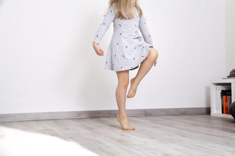 Tupot małych stóp – jaką podłogę wybrać do dziecięcego pokoju?