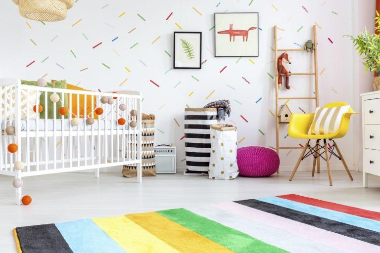 Pomysły na kreatywne dekoracje w pokoju dziecka